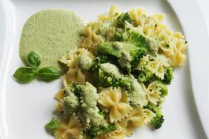 Farfalle mit Brokkoli und grüner Sauce