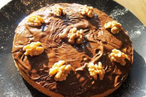 Walnusskuchen mit Schokoladen-Glasur